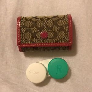 Coach contact case storage